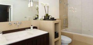 Λειτουργικό και ευχάριστο μπάνιο
