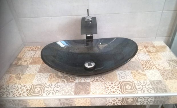 Ανακαίνιση Μπάνιου στα Κάτω Πετράλωνα