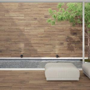 Πλακάκια ξύλου σε τοίχο