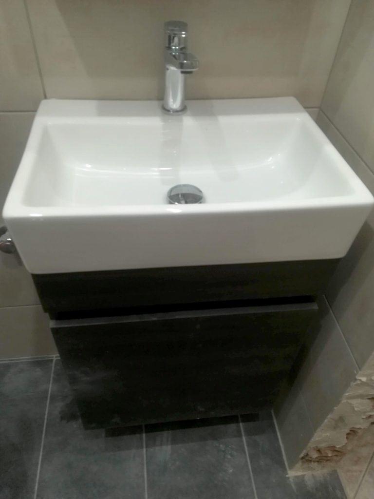 Μικρό έπιπλο μπάνιου